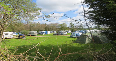 Sunny_caravan_site_in_May_2012